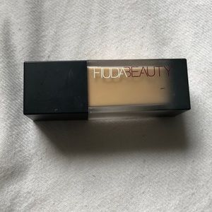 huda beauty #fauxfilter high coverage foundation